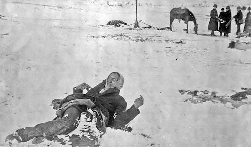 800px-big_foot_dead_at_wounded_knee_1890-11