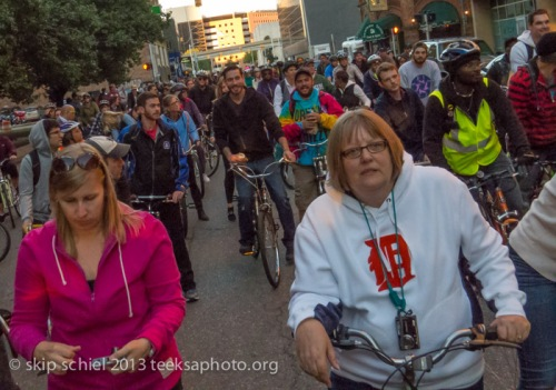Group-Detroit-bicycling-9361