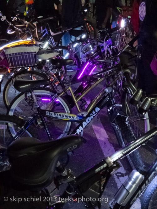 Lit bikes-Detroit-bicycling-9523