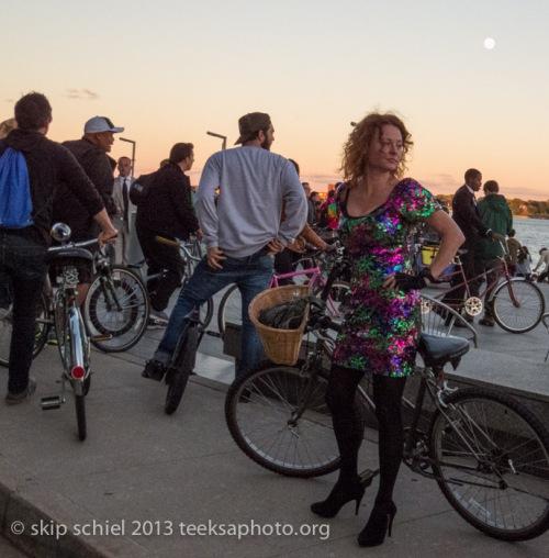 Woman-Detroit-bicycling-