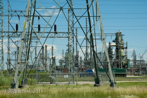 Detroit_Oil_refinery_2011_9067