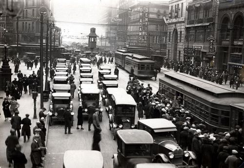 Michigan_&_Griswold_circa_1920