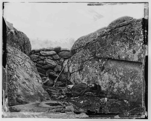 Civil WarDead Confederate Sharpshooter in the Devil's Den - Gettysburg, PA, July 1863