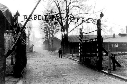 auschwitz-main-gate-december-1994