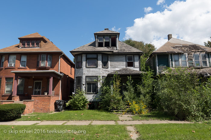 Folding Bike Photography in Detroit-part 5: Crash on Grand ...