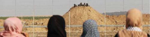 Gaza-border-women-soldiersCROP-SM copy